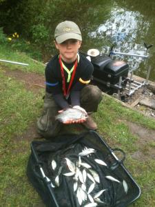 Early leader fished 4th with 2lb 1oz of roach caught at 4m on maggot.