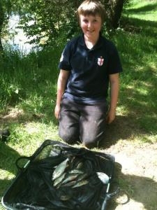 Alex Warham caught 2lb of roach and perch all caught short on maggot.