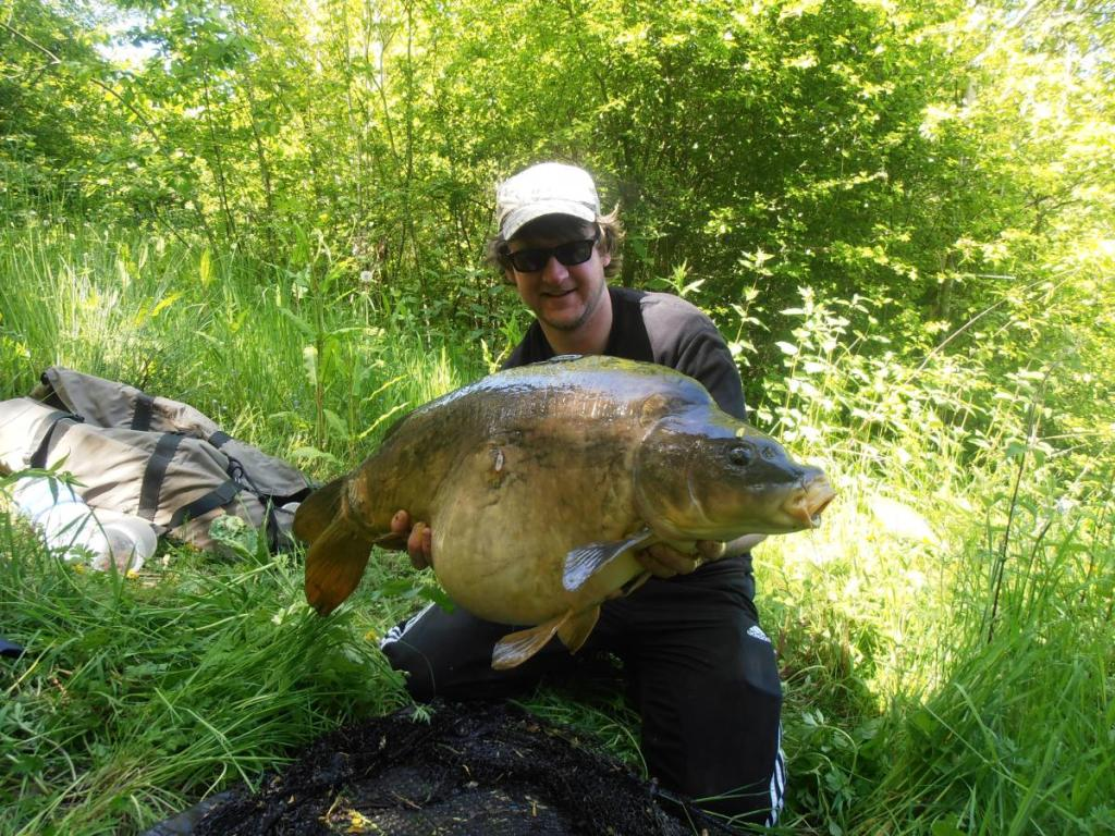 Ian stalks one out at chester specimen lake lymm angling for Battle ground lake fishing