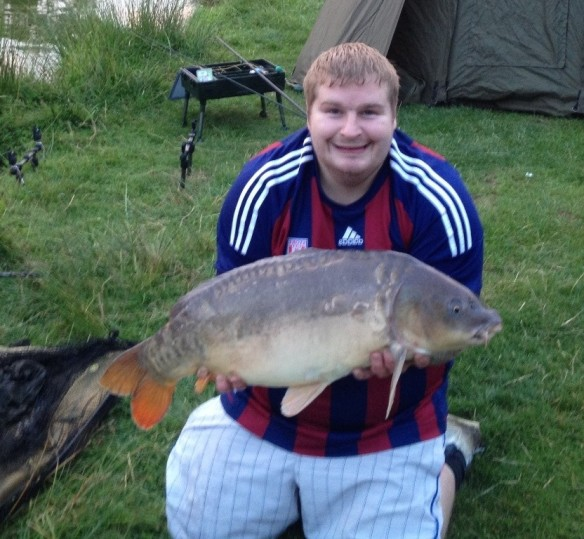 Gary Bagguley with a new PB 21lb Mirror Carp Serpentine Pool