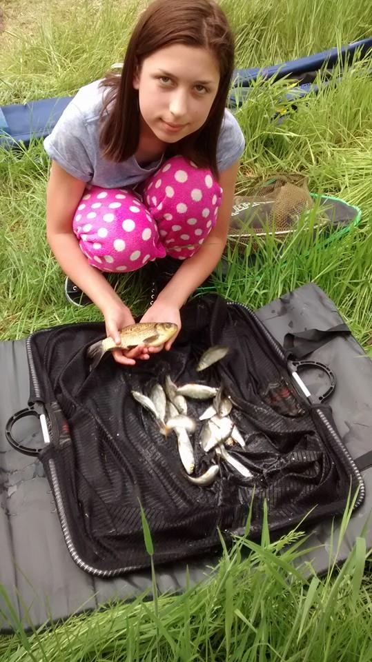 A great first series performance from Megan Higham who caught 1lb 5oz of roach for seventh on the day and 5th overall beating her brother Connor Higham.