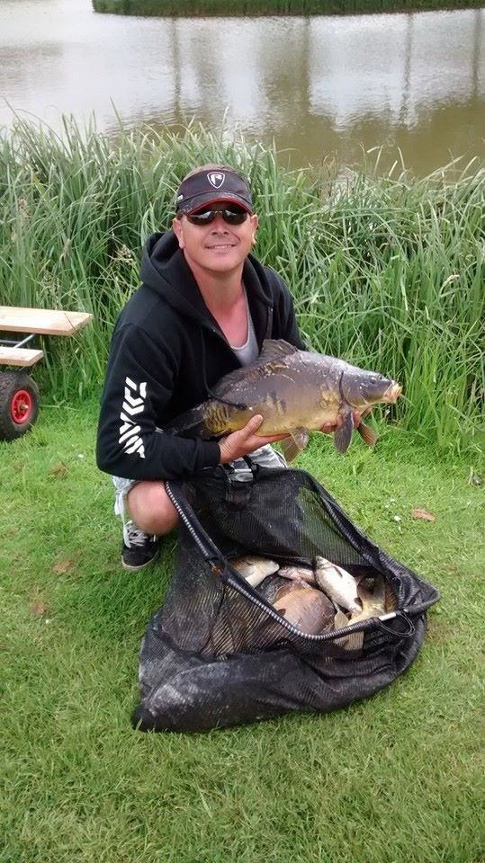 Kev Stephton's catch of large carp of 44lb 7oz
