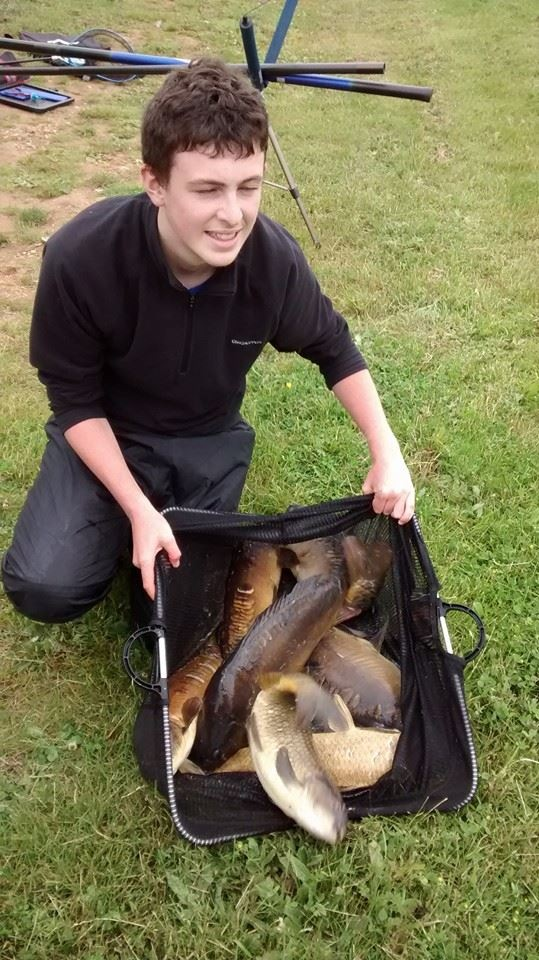 Jack Stansfield catch of 37lb 7oz just three oz from beating his dad. Pairs total of 75lb 1oz winning by just 1oz.
